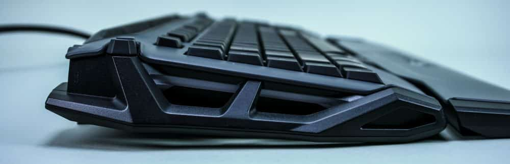 ROCCAT Skeltr Gaming Keyboard